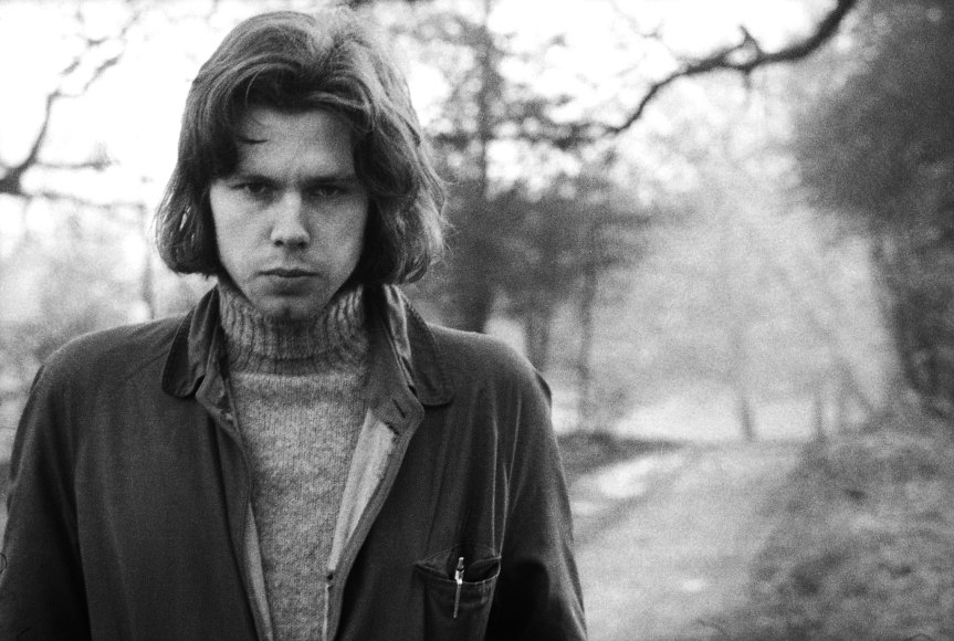 Who Was Nick Drake – A Biography on the Singer | Vinyl Rewind Special