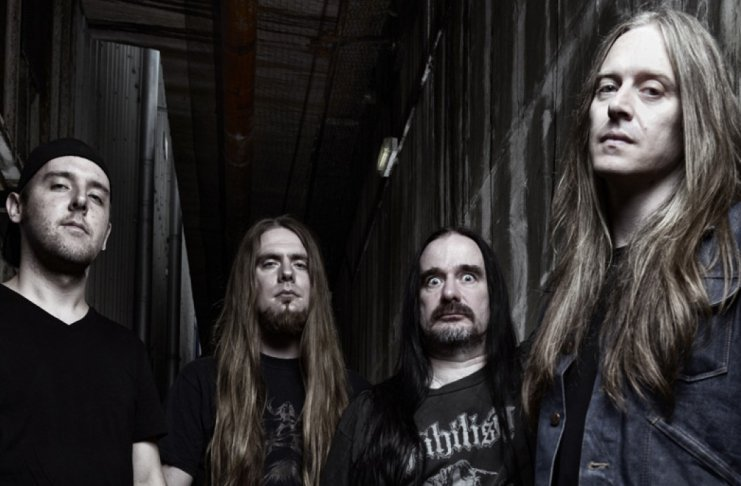 The Living Dead At The Manchester Morgue –Carcass