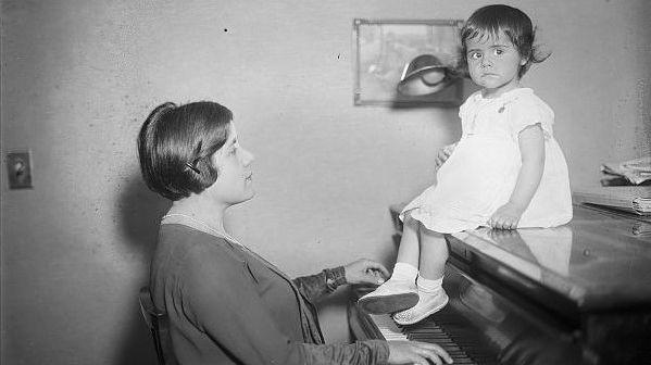 """""""Hija de la Música"""", poema de Olga LucíaBetancourt"""