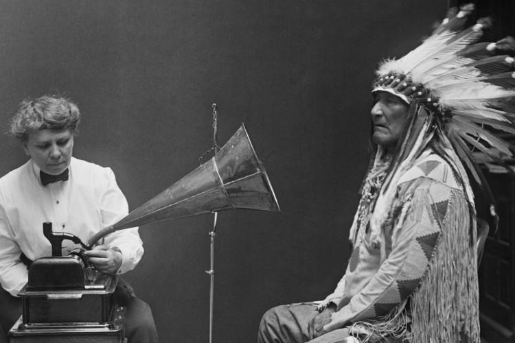 Som e música. Questões de uma Antropologia Sonora (Tiago de OliveiraPinto)