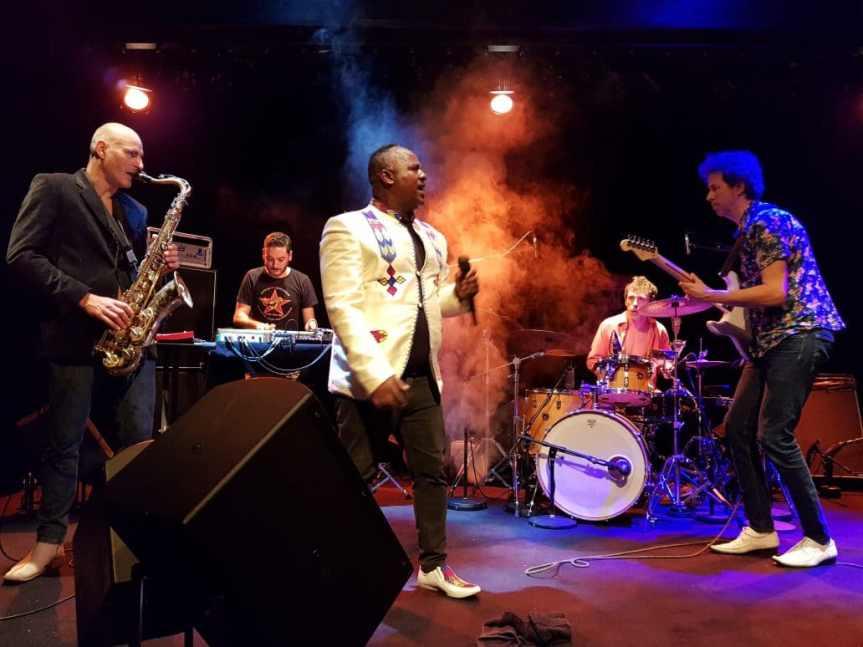 La Chamelle (live) –UKanDANZ