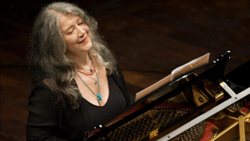 Martha Argerich: Chopin – Piano Concerto No. 1 in E minor, Op. 11 (Sinfonia VarsoviaOrchestra)