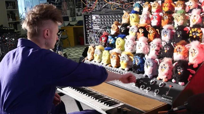 Man Redefines Horror By Building a Singing Furby Organ – AndrewLiszewski