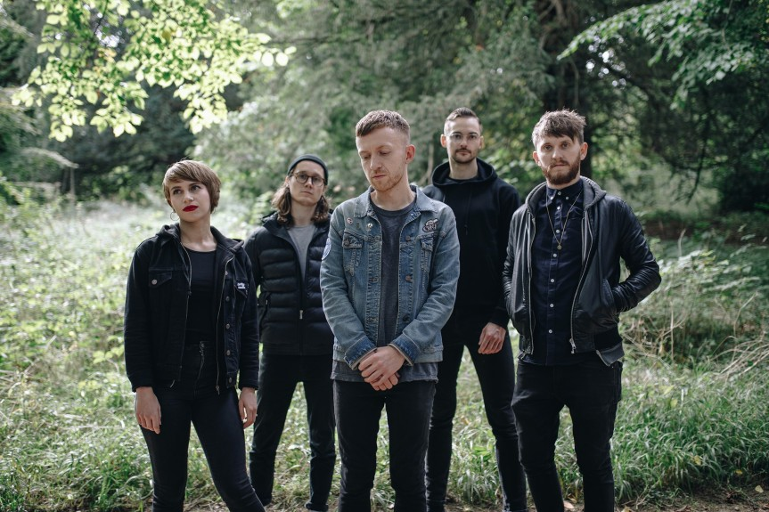 ROLO TOMASSI – A Flood of Light (official musicvideo)