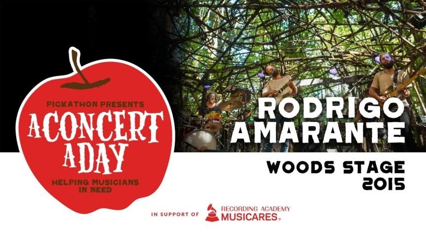 RODRIGO AMARANTE 🇧🇷 – Watch A Concert ADay